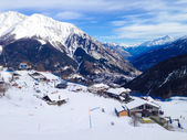 Ski slopes in the mountains of Courmayeur winter resort, Italian Alps — Stock Photo