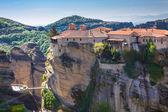 圣洁的拉姆修道院在希腊米特奥拉岩石的悬崖上 — 图库照片