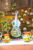 Violin and two jugs traditionally painted — Stock Photo