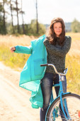 Attractive brunette girl during her cycling — Foto Stock