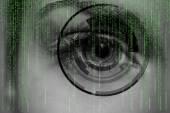 современные кибер женщина с концепцией глаз матрицы — Стоковое фото