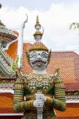 Measure giant in Arun temple of Bangkok, Thailand — Stock Photo
