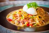 """Kee mao"" Spaghetti, thai style spaghetti  — Stock Photo"