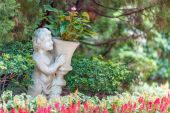 Angle Statue in garden — Stock Photo
