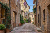 Alley in Italian old town Pienza Tuscany Italy — Stock fotografie