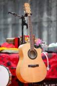 Bruin akoestische gitaar — Stockfoto