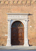 Beautiful architecture in the downtown of Ferrara — Stock Photo