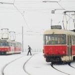 Trams in Prague in heavy snowfall — Stock Photo #52002433