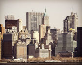 Vintage filtered picture of Manhattan over Hudson River, New Yor — Stock Photo