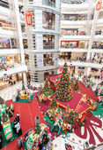 Christmas time in Suria KLCC, Malaysia's premier shopping mall. — Stock Photo