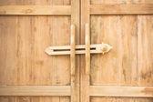 Ancient door latch Traditional ancient wooden door latch — Stock Photo