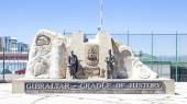"GIBRALTAR - August 20, 2014: Photo of The memorial sign ""Gibralt — Foto Stock"