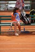 Beautiful young girl on the tennis court — Foto Stock