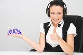 Kvinnliga kundsupport operatör med headset — Stockfoto