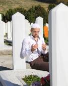 Islamic praying on dead person — Stock Photo