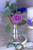 Decoration for wedding table in purple color . Flowers and candl — Stock Photo