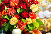 Flowers to decorate the holiday table. — Foto de Stock