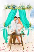 Wedding ceremony on a tropical beach in blue. Sand Ceremony. Hap — Stock Photo