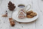 Composição de Natal feliz com café e pão doces um — Fotografia Stock