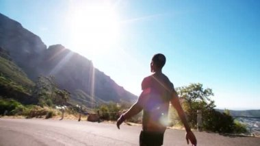 Runner slowing down after training — Vídeo de Stock