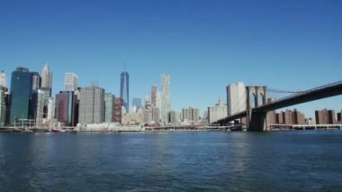 Timelapse of Manhattan and Brooklyn Bridge — Stockvideo