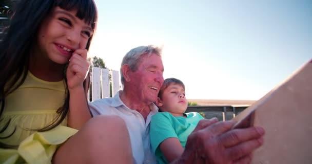 Внук и дед видео фото 517-785