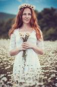 Beautiful woman enjoying field, harmony concept — Stock Photo