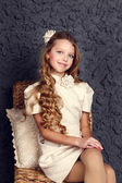 ファッション子供スタジオ ショットの肖像画 — ストック写真