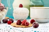 Cottage cheese with fruit — Stock Photo