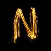 Tomtebloss fyrverkeri ljus alfabetet N. — Stockfoto