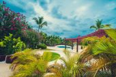 Relaxing on remote Tropical Paradise beach in Dominican Republic, Seychelles, Caribbean, Mauritius, Philippines, Bahamas. — Stock Photo