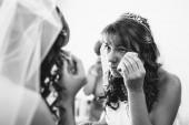 美丽的白种人新娘为婚礼做准备 — 图库照片