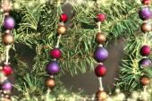 枞树上的圣诞装饰品 — 图库照片