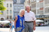 Senior couple traveling in Europe — Stock Photo
