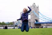 Happy boy enjoying trip to London — Foto de Stock