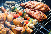 Delicious griller meat with vegetables — Fotografia Stock