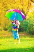 Niña con paraguas — Foto de Stock