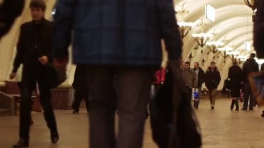 People in Moscow metro — Vídeo stock