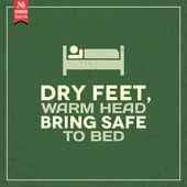 Dry feet, warm head. proverb — Stock Vector