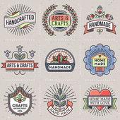 Retro design insignias logotypes set. — Stock Vector