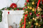 Christmas tree with fireplace, Christmas holiday and New Year. — Stock Photo