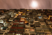 Overcrowded Flat in Hong Kong in a Cloudy Night — Stock Photo