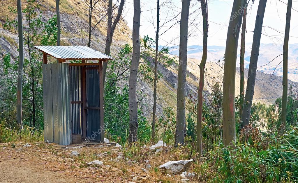 Öffentliche Toilette Ohne Türen ? Stockfoto © Izelphotography ... Offentliche Toilette Park Landschaft