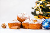 Muffins, christmas decorations. — Stock Photo