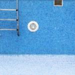 An empty swimming pool — Stock Photo #67647985