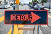 Detour sign on the street — Foto de Stock
