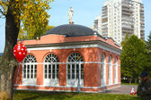 Housing service north (greenhouse), XVIII century. Architectural monument. Homesteads Vorontsovo. South wing — Stock Photo