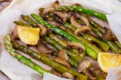 Asparagus and Mushrooms in Parchment — Stock Photo