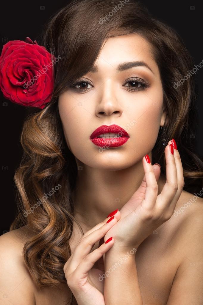 Красивая девушка на испанском