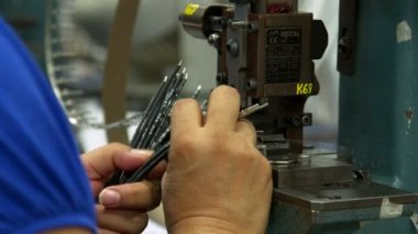 Wire cutting  in a factory. — Vídeo de Stock
